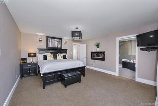 Photo 17: 1010 Graphite Pl in VICTORIA: La Bear Mountain Single Family Detached for sale (Langford)  : MLS®# 799333