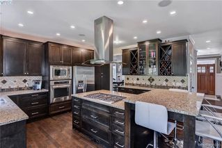 Photo 2: 1010 Graphite Pl in VICTORIA: La Bear Mountain Single Family Detached for sale (Langford)  : MLS®# 799333