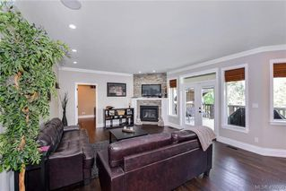 Photo 5: 1010 Graphite Pl in VICTORIA: La Bear Mountain Single Family Detached for sale (Langford)  : MLS®# 799333