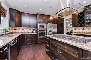 Photo 8: 1010 Graphite Pl in VICTORIA: La Bear Mountain Single Family Detached for sale (Langford)  : MLS®# 799333