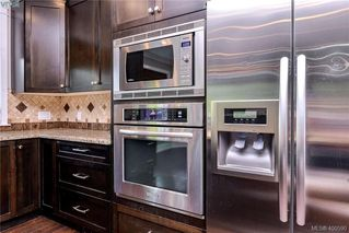 Photo 11: 1010 Graphite Pl in VICTORIA: La Bear Mountain Single Family Detached for sale (Langford)  : MLS®# 799333