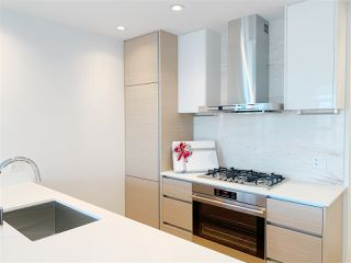 Photo 1: 4710 4670 ASSEMBLY Way in Burnaby: Metrotown Condo for sale (Burnaby South)  : MLS®# R2335958