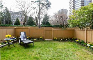 """Photo 8: 101 1725 PENDRELL Street in Vancouver: West End VW Condo for sale in """"STRATFORD PLACE"""" (Vancouver West)  : MLS®# R2351251"""