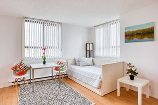 "Photo 1: 1601 789 DRAKE Street in Vancouver: Downtown VW Condo for sale in ""CENTURY TOWER"" (Vancouver West)  : MLS®# R2352458"