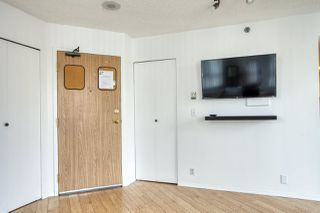 "Photo 3: 1601 789 DRAKE Street in Vancouver: Downtown VW Condo for sale in ""CENTURY TOWER"" (Vancouver West)  : MLS®# R2352458"