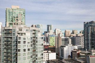 "Photo 14: 1601 789 DRAKE Street in Vancouver: Downtown VW Condo for sale in ""CENTURY TOWER"" (Vancouver West)  : MLS®# R2352458"