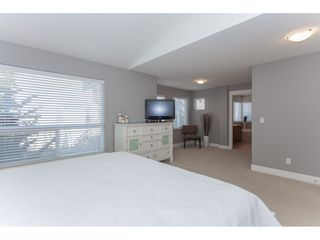 "Photo 10: 20141 68A Avenue in Langley: Willoughby Heights House for sale in ""Woodbridge"" : MLS®# R2354583"