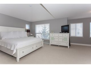 "Photo 9: 20141 68A Avenue in Langley: Willoughby Heights House for sale in ""Woodbridge"" : MLS®# R2354583"