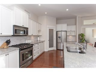 "Photo 7: 20141 68A Avenue in Langley: Willoughby Heights House for sale in ""Woodbridge"" : MLS®# R2354583"
