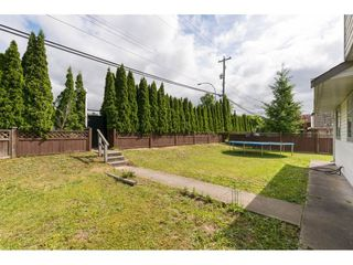 Photo 2: 14298 88 Avenue in Surrey: Bear Creek Green Timbers House for sale : MLS®# R2366016