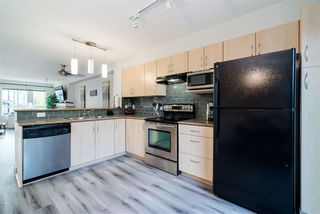 Photo 3: 42 6747 203 Street in Langley: Willoughby Heights Townhouse for sale : MLS®# R2369966