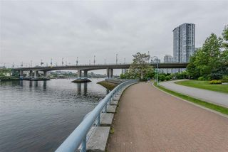 "Photo 7: 960 COOPERAGE Way in Vancouver: Yaletown Townhouse for sale in ""Coopers Point"" (Vancouver West)  : MLS®# R2376080"