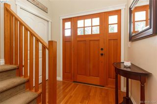 Photo 3: 768 Hanbury Place in VICTORIA: Hi Bear Mountain Single Family Detached for sale (Highlands)  : MLS®# 412394