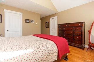 Photo 8: 768 Hanbury Place in VICTORIA: Hi Bear Mountain Single Family Detached for sale (Highlands)  : MLS®# 412394