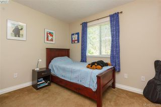 Photo 10: 768 Hanbury Place in VICTORIA: Hi Bear Mountain Single Family Detached for sale (Highlands)  : MLS®# 412394