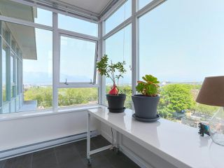 """Photo 12: 808 2788 PRINCE EDWARD Street in Vancouver: Mount Pleasant VE Condo for sale in """"UPTOWN"""" (Vancouver East)  : MLS®# R2383495"""