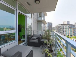 """Photo 7: 808 2788 PRINCE EDWARD Street in Vancouver: Mount Pleasant VE Condo for sale in """"UPTOWN"""" (Vancouver East)  : MLS®# R2383495"""