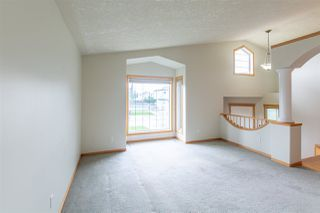 Photo 3: 6716 161 Avenue in Edmonton: Zone 28 House for sale : MLS®# E4164860
