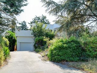 Photo 33: 318 Uganda Ave in VICTORIA: Es Kinsmen Park Half Duplex for sale (Esquimalt)  : MLS®# 822180