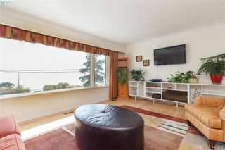 Photo 4: 2954 Tudor Ave in VICTORIA: SE Ten Mile Point House for sale (Saanich East)  : MLS®# 831607