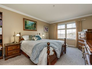 "Photo 12: 415 15210 GUILDFORD Drive in Surrey: Guildford Condo for sale in ""Boulevard Club"" (North Surrey)  : MLS®# R2433481"