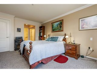 "Photo 13: 415 15210 GUILDFORD Drive in Surrey: Guildford Condo for sale in ""Boulevard Club"" (North Surrey)  : MLS®# R2433481"