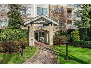 "Photo 2: 415 15210 GUILDFORD Drive in Surrey: Guildford Condo for sale in ""Boulevard Club"" (North Surrey)  : MLS®# R2433481"