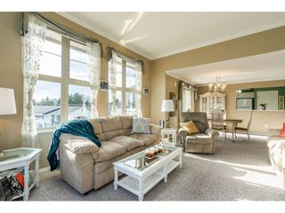 "Photo 6: 415 15210 GUILDFORD Drive in Surrey: Guildford Condo for sale in ""Boulevard Club"" (North Surrey)  : MLS®# R2433481"
