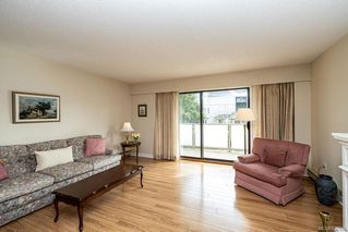 Photo 5: 101 2125 Oak Bay Ave in Oak Bay: OB South Oak Bay Condo Apartment for sale : MLS®# 837058