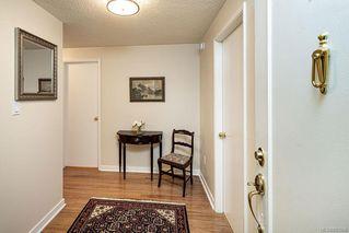 Photo 3: 101 2125 Oak Bay Ave in Oak Bay: OB South Oak Bay Condo Apartment for sale : MLS®# 837058