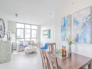 """Photo 3: 1101 1050 SMITHE Street in Vancouver: West End VW Condo for sale in """"THE STERLING"""" (Vancouver West)  : MLS®# R2478324"""