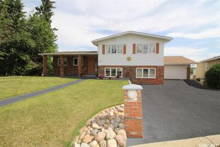 Photo 1: 82 Riverbend Crescent in Battleford: Residential for sale : MLS®# SK821426