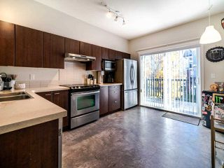 """Photo 4: 86 19572 FRASER Way in Pitt Meadows: South Meadows Townhouse for sale in """"COHO II"""" : MLS®# R2517874"""
