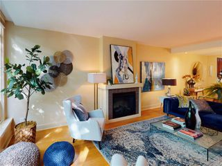 Photo 4: 1 828 Rupert Terr in : Vi Downtown Row/Townhouse for sale (Victoria)  : MLS®# 862421