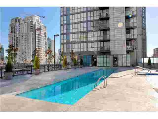 """Photo 4: 1807 1155 SEYMOUR Street in Vancouver: Downtown VW Condo for sale in """"Brava"""" (Vancouver West)  : MLS®# V910069"""
