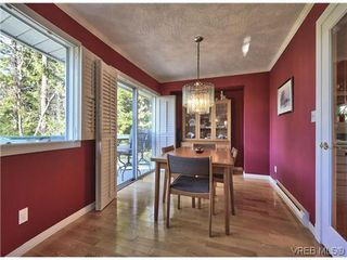 Photo 3: 916 Columbus Place in VICTORIA: La Walfred Residential for sale (Langford)  : MLS®# 315052