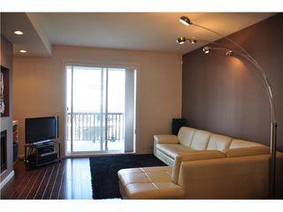 Photo 2: 44 101 FRASER Street in Port Moody: Port Moody Centre Condo for sale : MLS®# V995777
