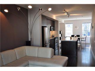 Photo 3: 44 101 FRASER Street in Port Moody: Port Moody Centre Condo for sale : MLS®# V995777