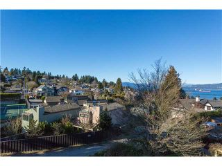 """Photo 3: 1966 SASAMAT Place in Vancouver: Point Grey House for sale in """"POINT GREY"""" (Vancouver West)  : MLS®# V1053175"""