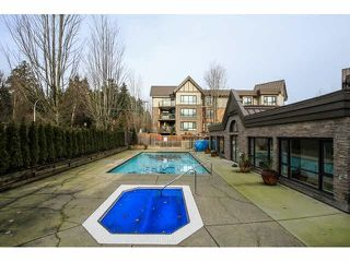 """Photo 3: 103 9978 148TH Street in Surrey: Guildford Condo for sale in """"HIGHPOINT GARDENS"""" (North Surrey)  : MLS®# F1430440"""