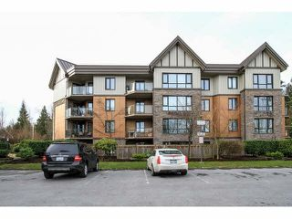"""Photo 1: 103 9978 148TH Street in Surrey: Guildford Condo for sale in """"HIGHPOINT GARDENS"""" (North Surrey)  : MLS®# F1430440"""