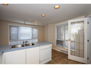 """Photo 10: 103 9978 148TH Street in Surrey: Guildford Condo for sale in """"HIGHPOINT GARDENS"""" (North Surrey)  : MLS®# F1430440"""