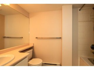 """Photo 13: 103 9978 148TH Street in Surrey: Guildford Condo for sale in """"HIGHPOINT GARDENS"""" (North Surrey)  : MLS®# F1430440"""