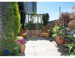"""Photo 1: 506 455 BEACH CR in Vancouver: False Creek North Condo for sale in """"PARKWEST I"""" (Vancouver West)  : MLS®# V609308"""