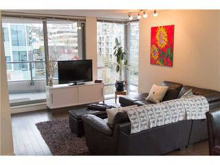 "Photo 2: 605 587 W 7TH Avenue in Vancouver: Fairview VW Condo for sale in ""THE AFFINITY"" (Vancouver West)  : MLS®# V1117685"
