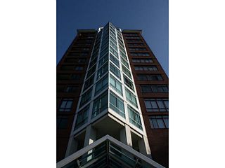 "Photo 2: 404 130 E 2ND Street in North Vancouver: Lower Lonsdale Condo for sale in ""THE OLYMPIC"" : MLS®# V1134065"
