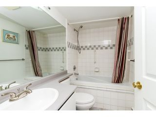 "Photo 13: 212 2357 WHYTE Avenue in Port Coquitlam: Central Pt Coquitlam Condo for sale in ""RIVERSIDE PLACE"" : MLS®# R2043083"