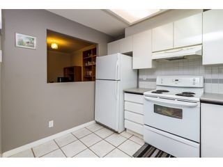 "Photo 9: 212 2357 WHYTE Avenue in Port Coquitlam: Central Pt Coquitlam Condo for sale in ""RIVERSIDE PLACE"" : MLS®# R2043083"