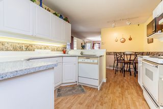 "Photo 7: 8 8855 212 Street in Langley: Walnut Grove Townhouse for sale in ""GOLDEN RIDGE"" : MLS®# R2068226"