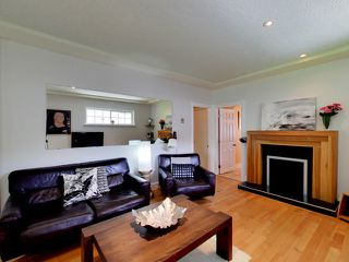 "Photo 4: 2271 WATERLOO Street in Vancouver: Kitsilano House for sale in ""KITSILANO!"" (Vancouver West)  : MLS®# R2086702"